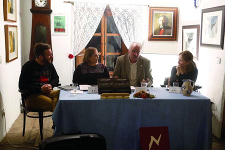 """A presentación do """"Libro do Courel"""" tivo lugar a comezos de novembro, coa presenza da autora, Sonia María García García; a editora, Edurne Baines Pilart; e o deputado de Turismo, Eduardo Vidal Baamonde. GPDL."""