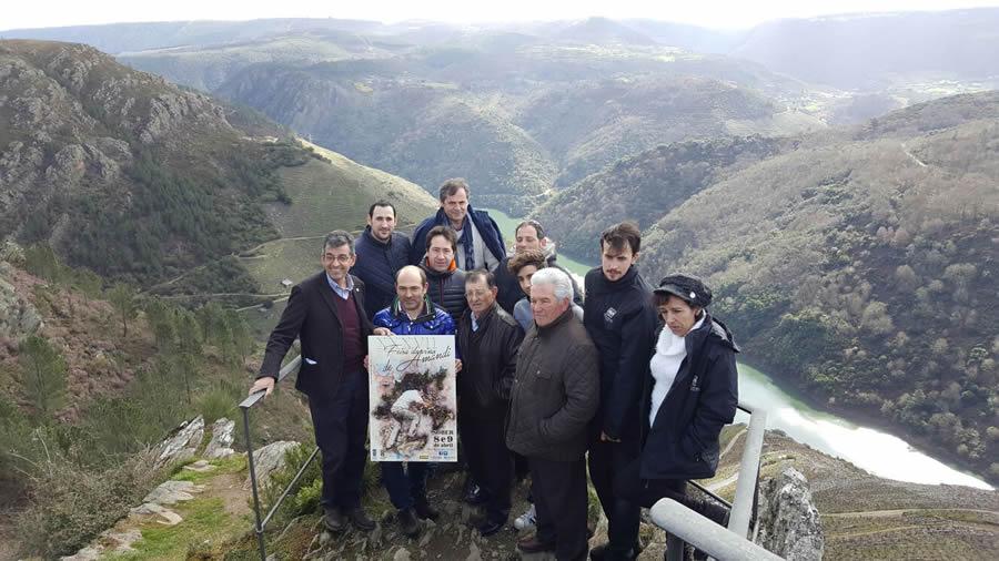 Presentación do cartel da XXXVII Feira do Viño de Amandi e da programación do Mes de Amandi no Miradoiro de Pena do Castelo, o 4 de marzo. GPCS