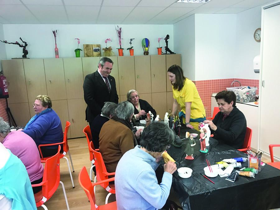 O delegado da Xunta en Lugo, José Manuel Balseiro, visitou o centro de día de Chantada o pasado 13 de marzo.  GPDTL