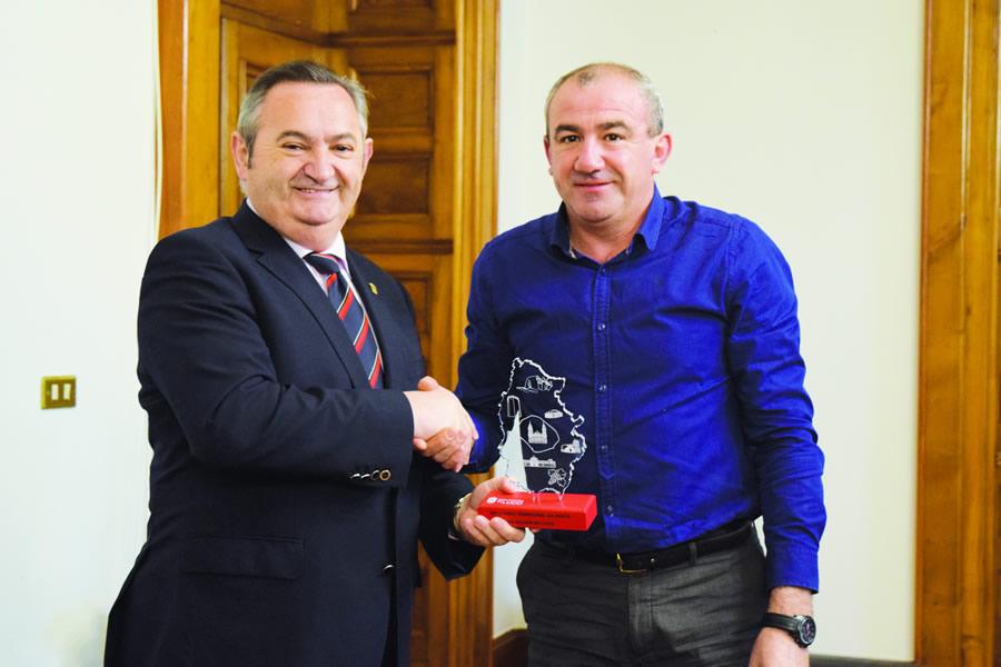 O delegado da Xunta en Lugo, José Manuel Balseiro; e o presidente da Deputación, Darío Campos, no encontro mantido o pasado 7 de abril. GPDL