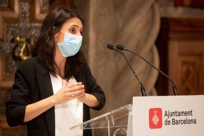 La ministra Montero ve «preocupante» la fusión entre Caixabank y Bankia
