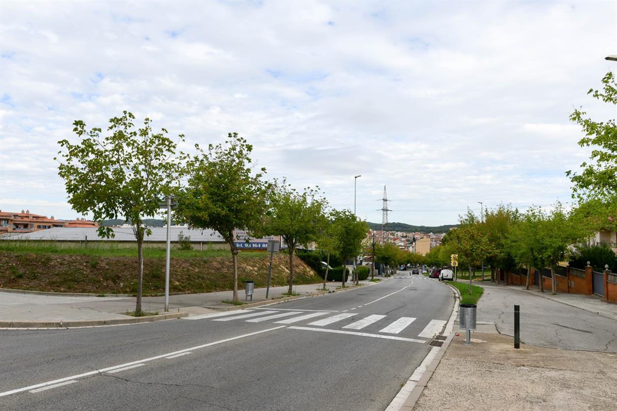 L'Ajuntament treballa amb el veïnat de Sant Jordi Parc en les diferents alternatives per ubicar habitatges dotacionals i equipaments al barri