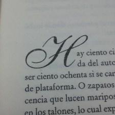 Muestra de la capitular caligráfica. Fotografía tomada por Carolina Foronda.