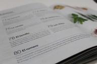 Zoom fragmento 1 Libro 150 ideas para celebrar tu bienestar, Nestlé. Abierto. Foto por: María Camila Duque P