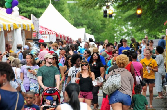 DBF Courtesy of Decatur Book Festival Photo by Shawn Vinson)