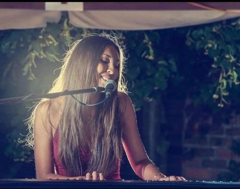 Cat Delphi Singing pianist