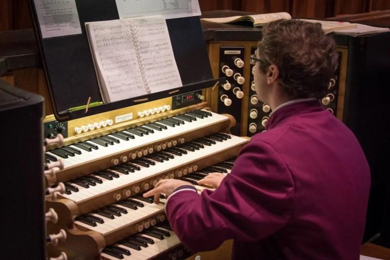 Samuel Bristow organist