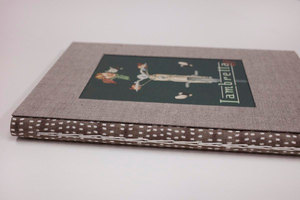 detalle del lomo cuaderno artesanal