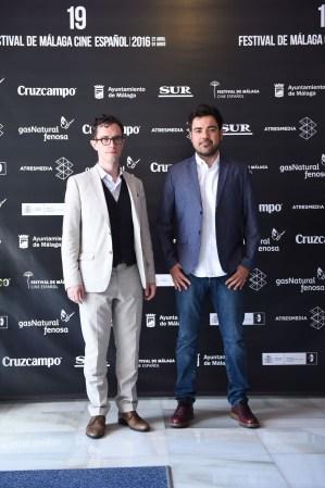 Martín Bacigalupo y Carles Torras en el fotocall de premiados en el Festival de Cine de Málaga.