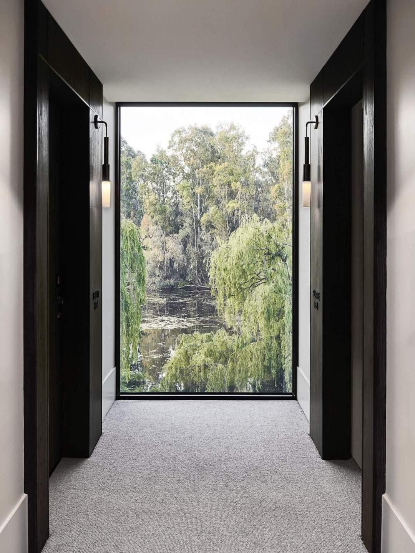 est living travel hecker guthrie Mitchelton Hotel Tom Blachford 09