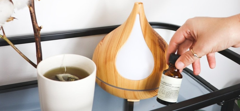 Aromatherapy essential oil burner and tea