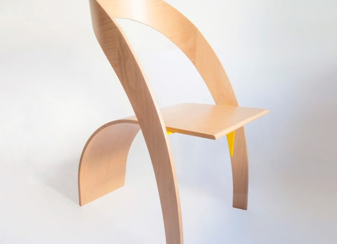 Counterpoise plywood chair designed by Kaptura de Aer