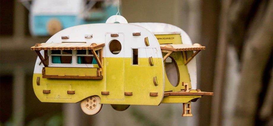 Retro Birdhouse Camper Kit Makes the Perfect Backyard Outpost