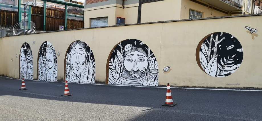 """Looking Beyond"" a new mural by SeaCreative in Tuscany, Italy"
