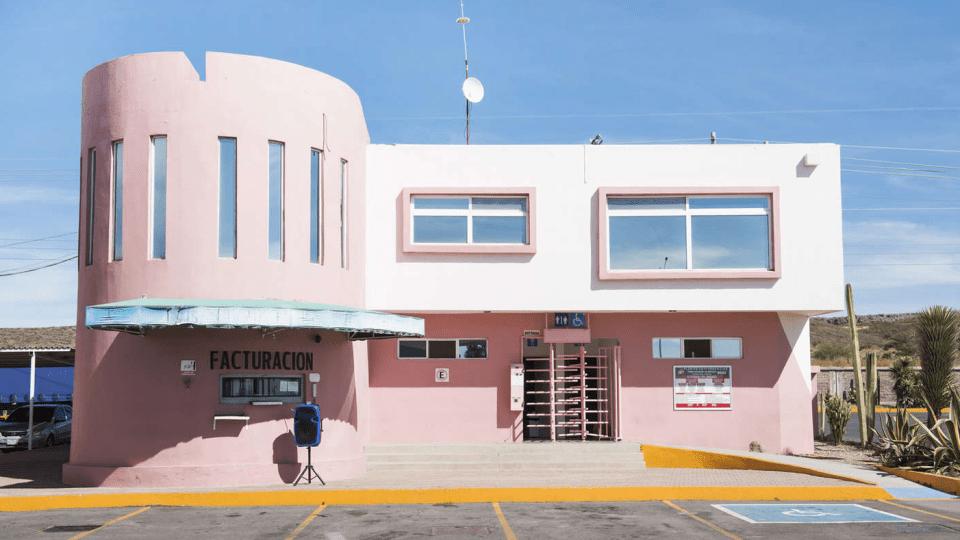 Facturacion pink art deco two storey building - Mexico