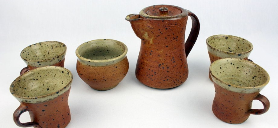Pottery selection of Bernhard Howell Leach