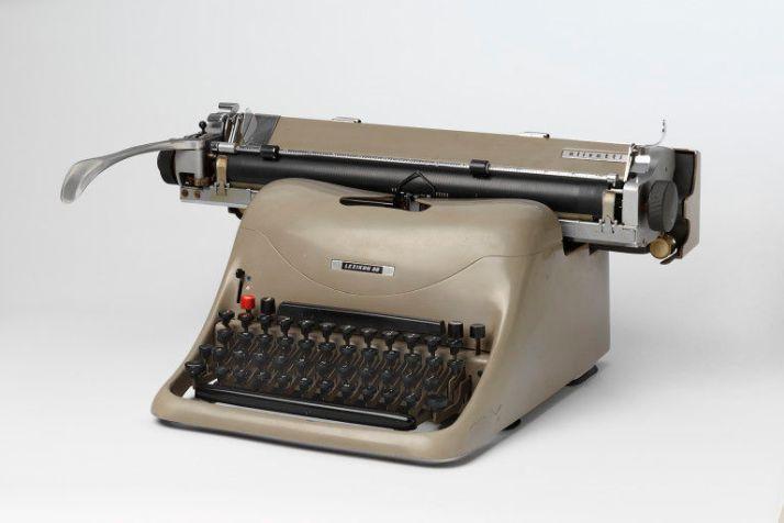 Olivetti Lexicon typewriter