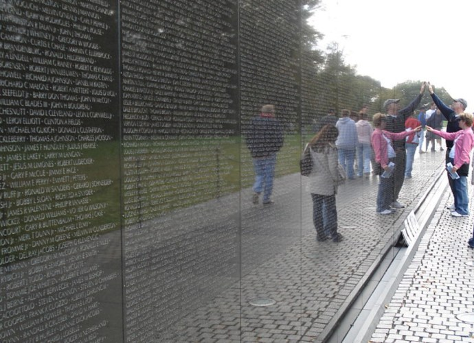 Maya Lin - Vietnam Veterans Memorial