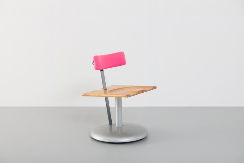 1986 Trampolín chair (with Cortes) and Javier Mariscal