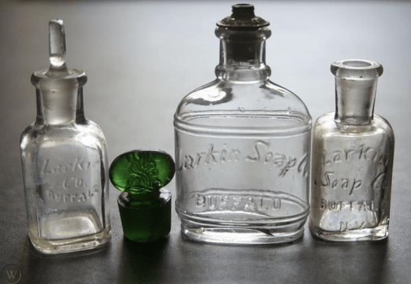 Antique embossed 3-piece mixed products