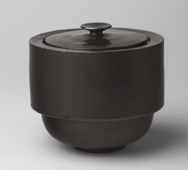 Kitchen storage pot by Theodor Bogler (1923) MoMA
