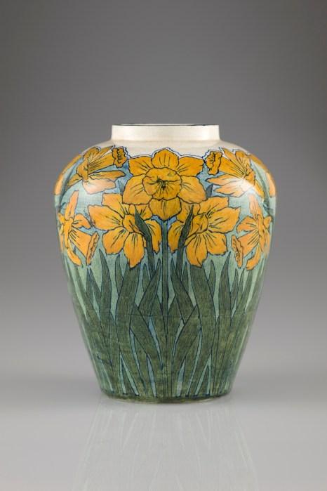 Vase, 1897. Daffodil design Newcomb Pottery Vase - Smithsonian