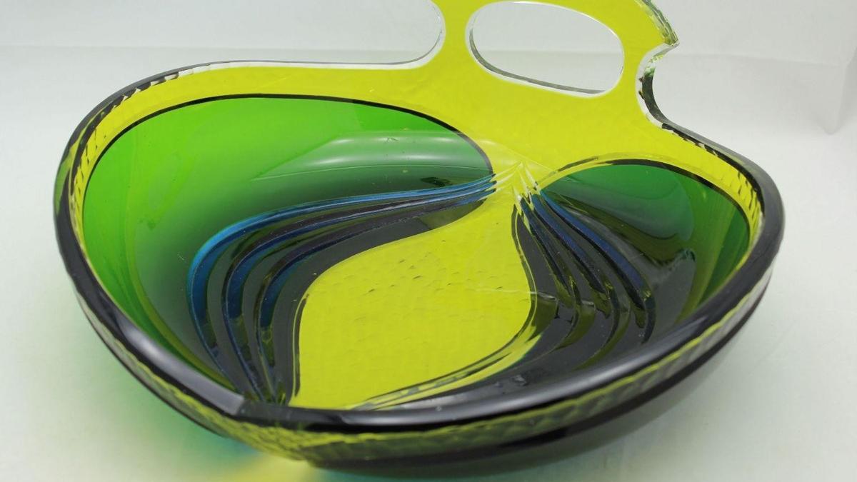 Léon Ledru glassware