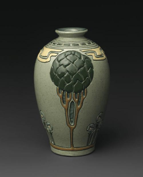 Vase ca. 1904–08 by Frederick Hurten Rhead