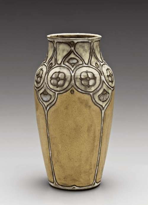 Vase ca. 1914–17 by Frederick Hurten Rhead