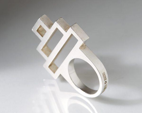 Ring designed by Sigurd Persson, Sweden. 1993