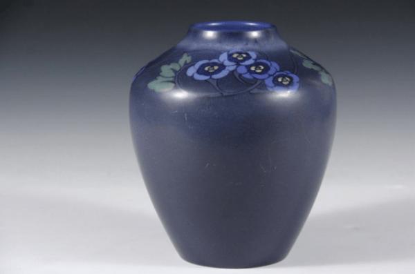 Vase (1918) designed by Lorinda Epply