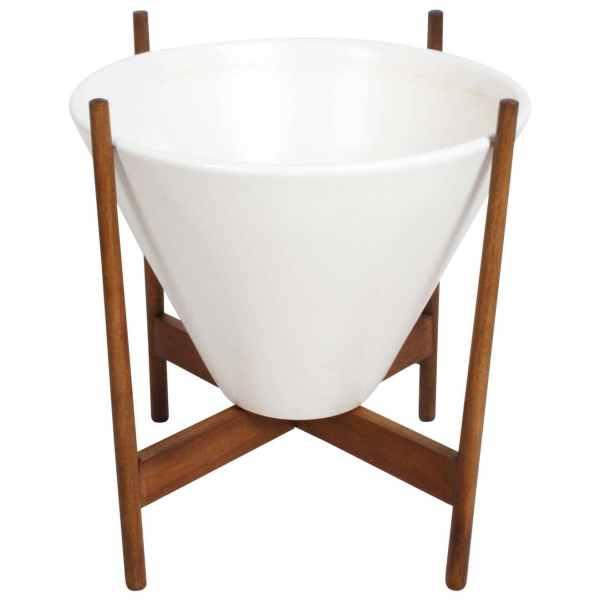 Lagardo Tackett Ceramic Planter Model