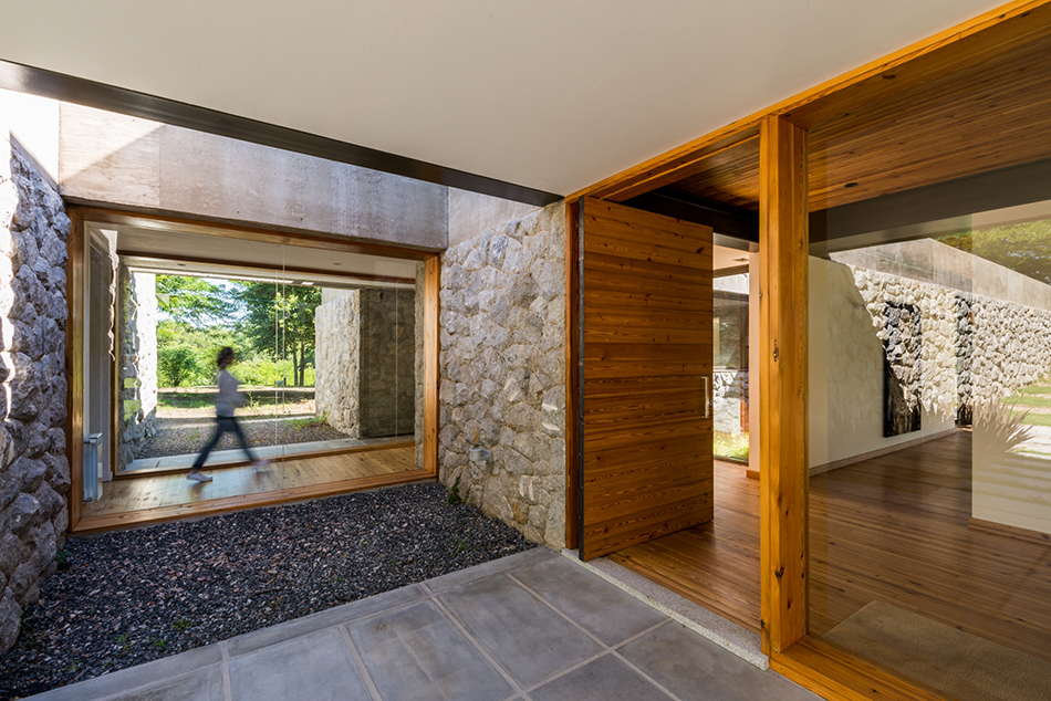 Concrete-and-glass house in Argentina is spare and beautiful
