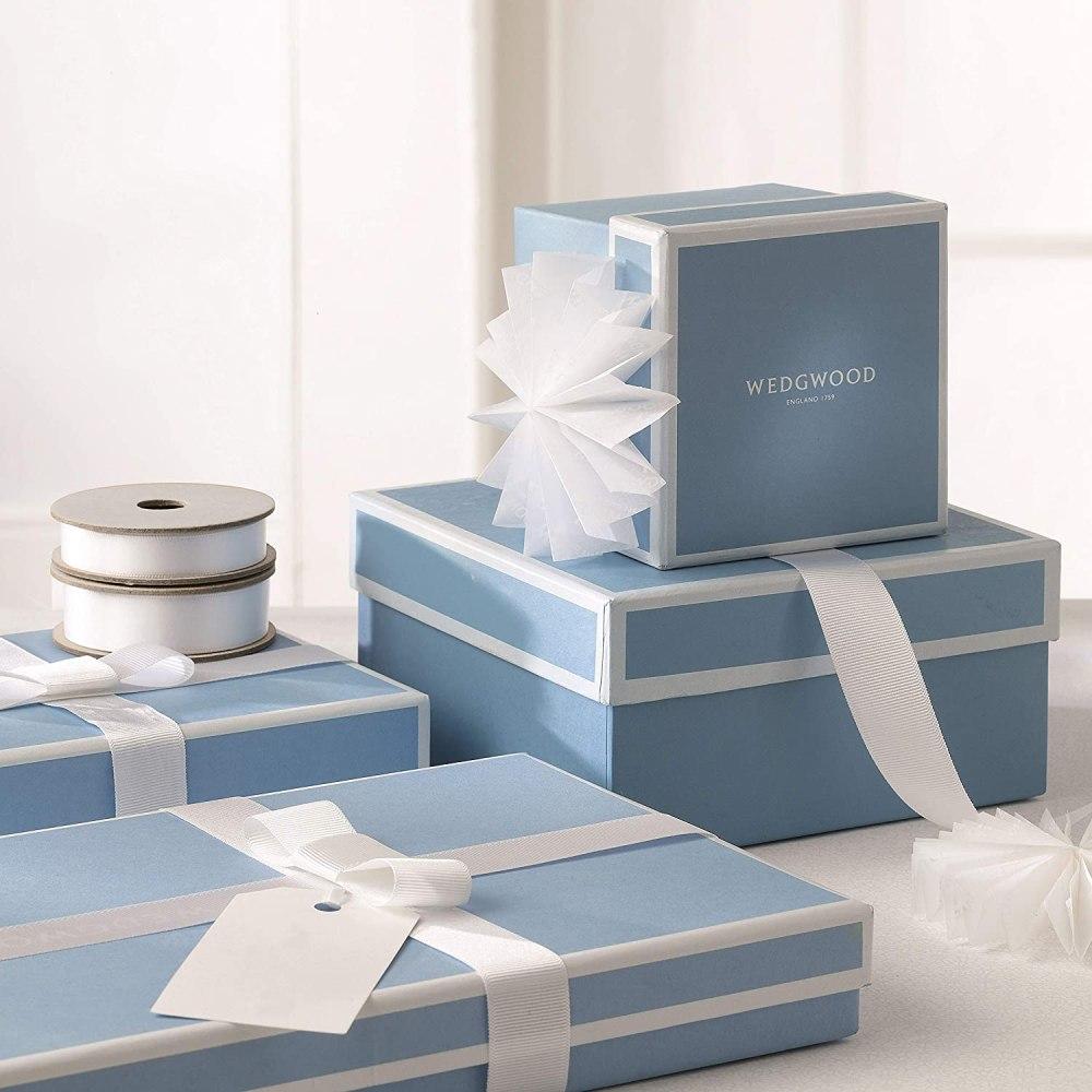 """8Wedgwood Magnolia Blossom Bud Vase 5"""", 5"""", Blue and White"""