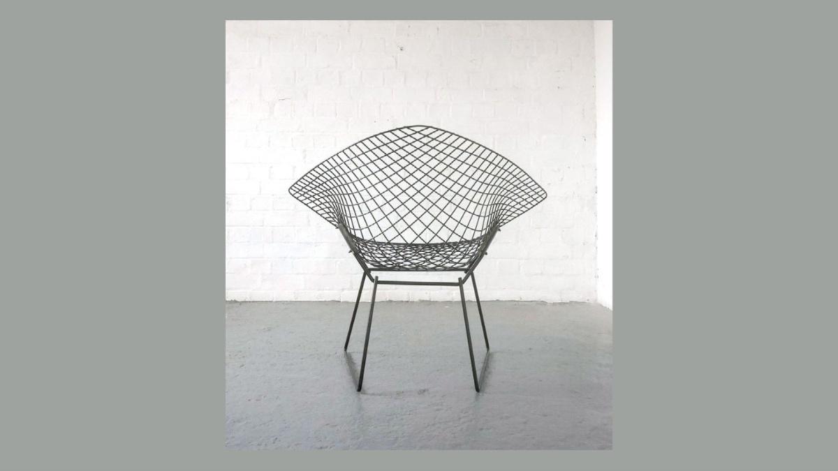 No. 22 Diamond Chair by Harry Bertoia