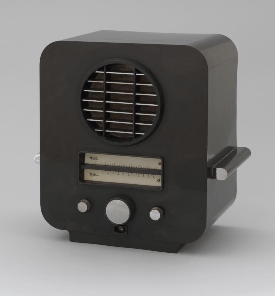 Radio (model AC74) designed by Serge Chermayeff
