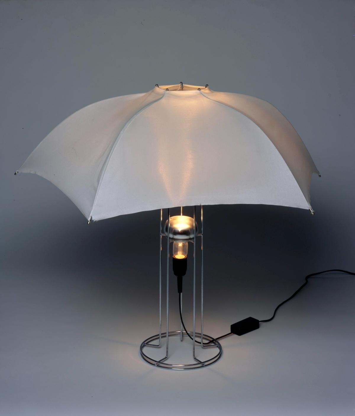 Umbrella Lamp (1973 - 1987) designed by Gijs Bakker (Centraal Museum, Utrecht)
