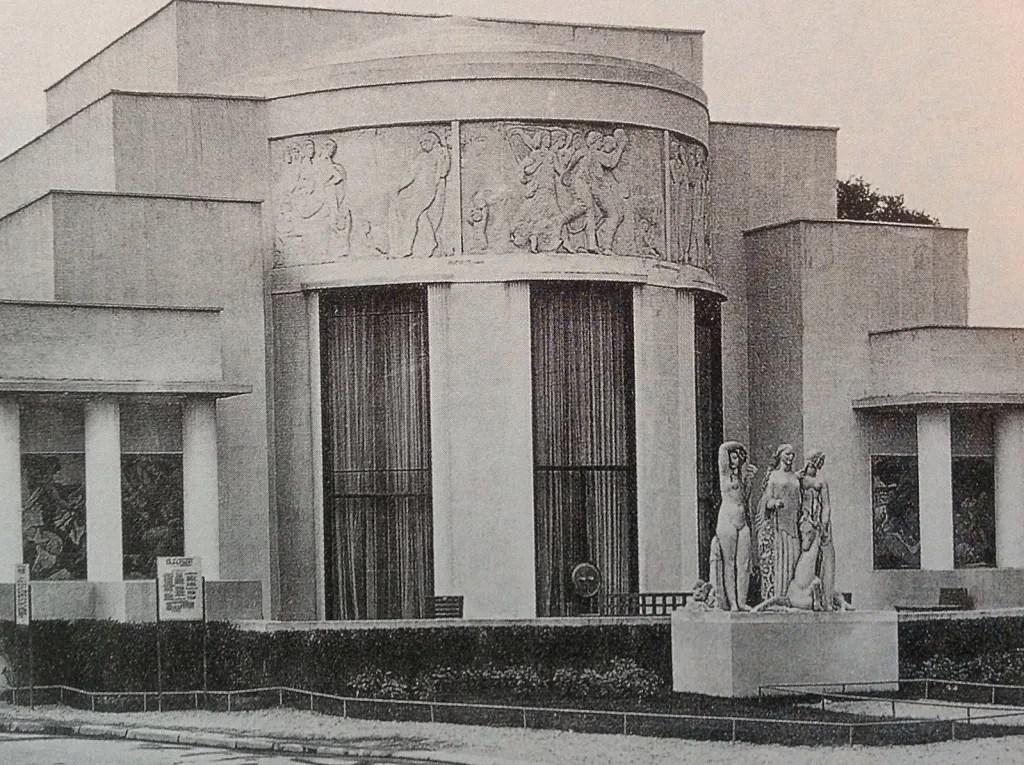 Salon of the Hotel du Collectionneur (1925) designed by Pierre Patout