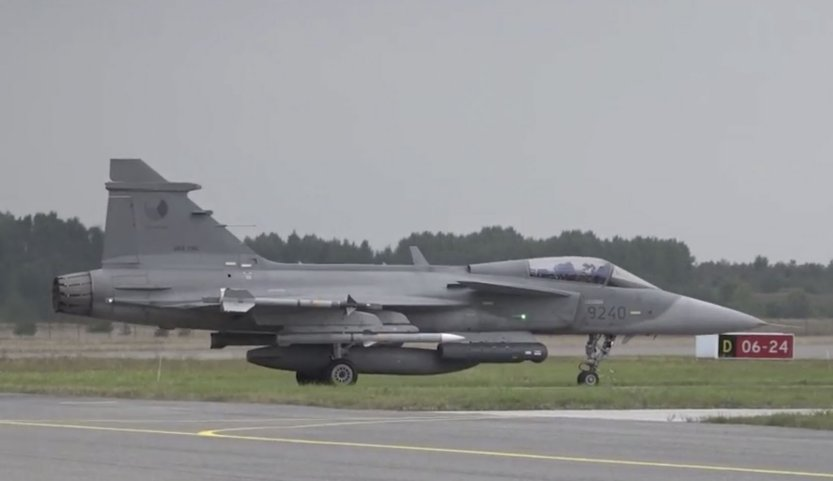 Czech Gripens conduct Baltic air policing with new Litening pods