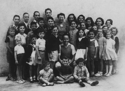 A group of children who were sheltered in Le Chambon-sur-Lignon, a town in southern France. [LCID: 08745]