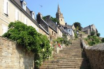 The Brelevenez church steps at Lannion, not much use to Stewart.