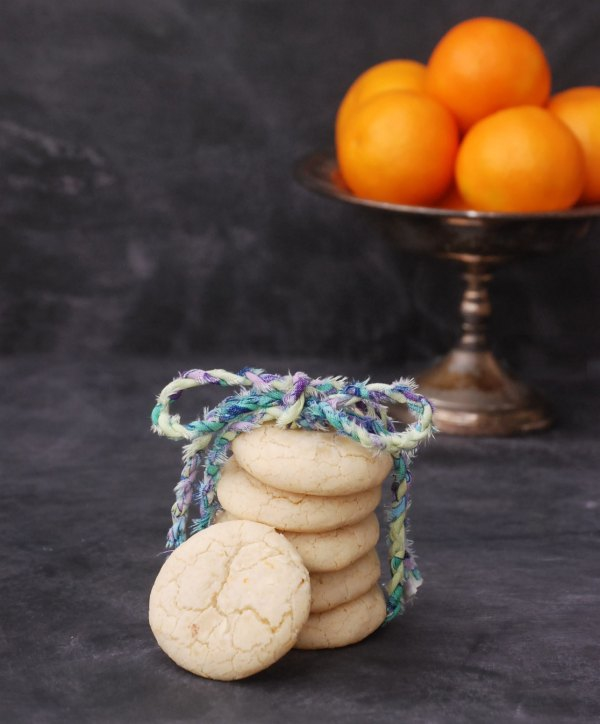 These clementine crinkle cookies are so delicious and easy to make. Pin now for a quick and easy dessert later!