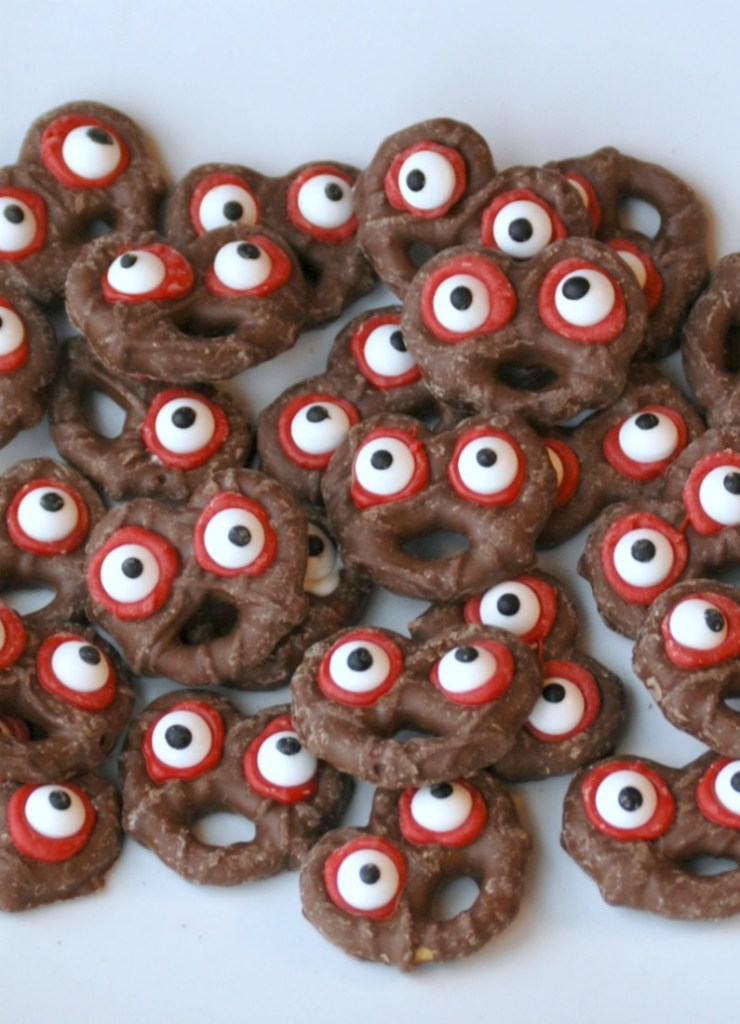 These pretzel monsters are the perfect combination of sweet and spooky. Thanks to store-bought chocolate-covered pretzels, you can make them in just minutes!