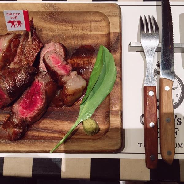 淀屋橋にある肉料理がガッツリ食べれるお店♡