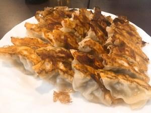 餃子にハマる田中、都島の餃子を食べに♪
