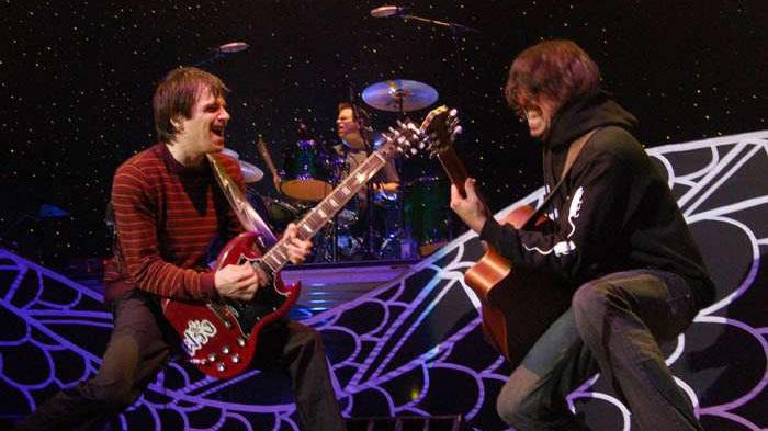 foo-fighters-weezer-tour-insieme-foto.