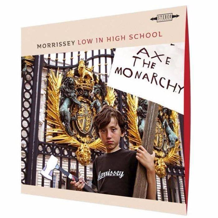 morrissey-low-in-high-school-album-cover-foto..jpg