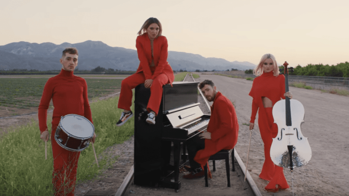 clean-bandit-julia-michaels-i-miss-you-video-foto