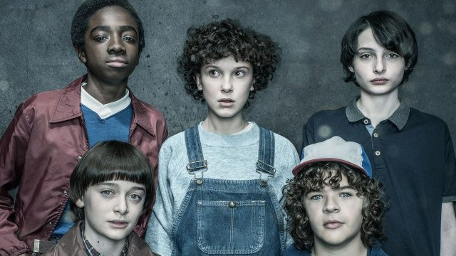 stranger-things-2-colonna-sonora-cast-foto
