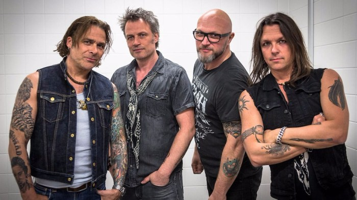 mike-tramp-band-of-brothers-band-foto